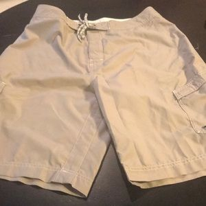 Men's Like New Old Navy Large Tan Board Shorts 👍